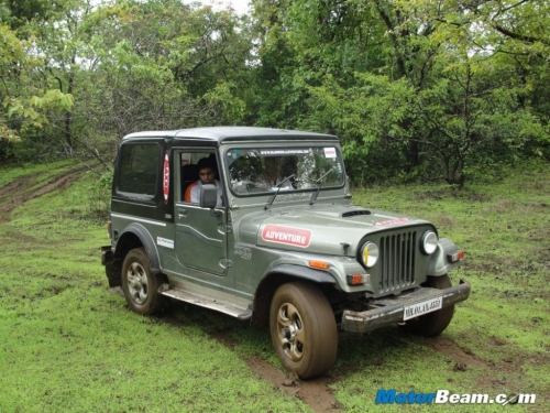 2012-Mahindra-Great-Escape-47