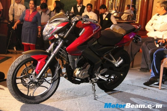 Bajaj_Pulsar_200_NS_Red