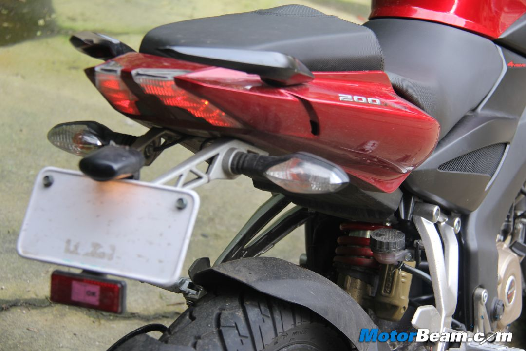 Pulsar 200 NS Review Picture Gallery | MotorBeam – Indian Car Bike ...