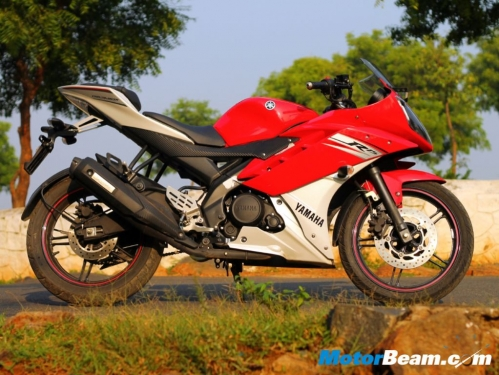 Yamaha_R15_V2_Review_05