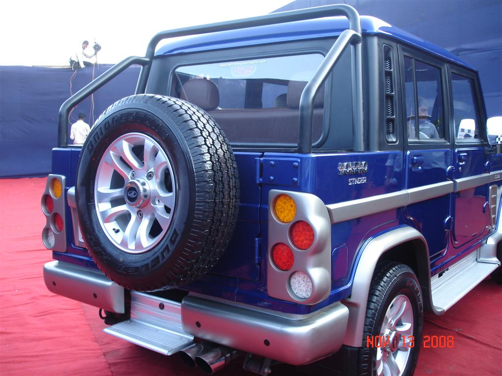 blue_mahindra_bolero_stinger_rear