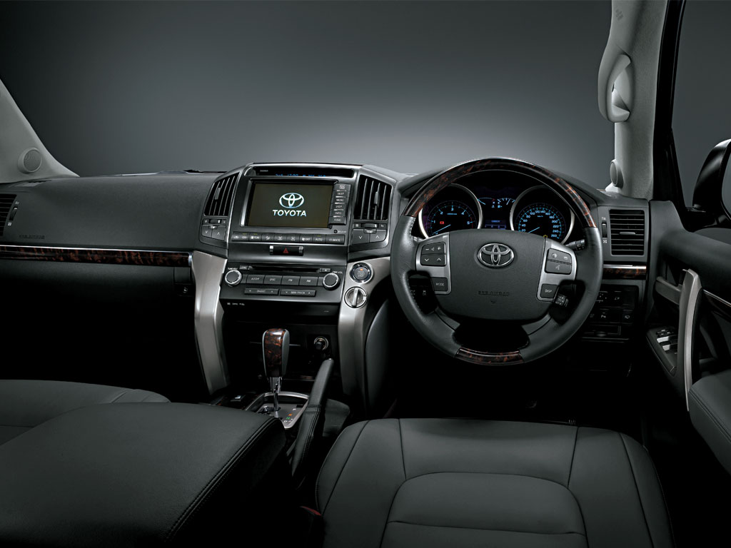 Pajero or Prado--which one is better(Experts Plzz) - toyota landcruiser diesel interior