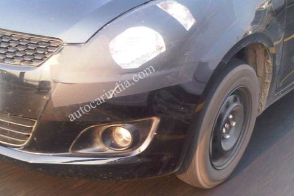2011_Maruti_Swift_Headlight