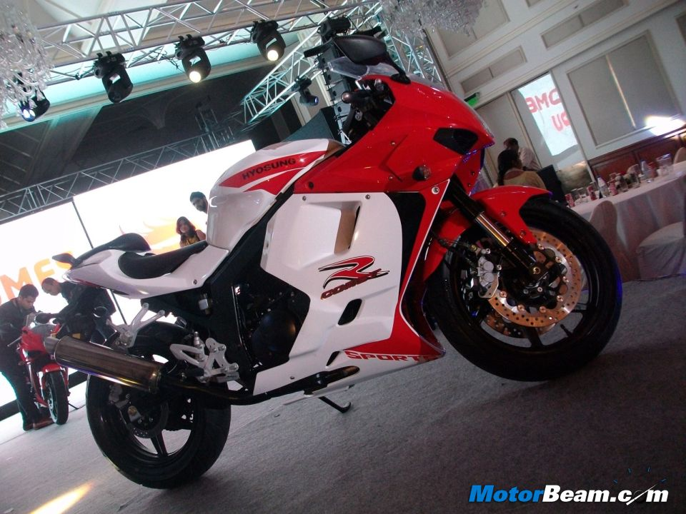 2012 Hyosung GT250R Launch