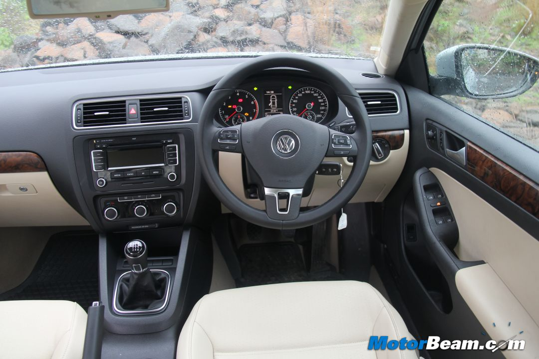 Read the Exhaustive Review of the Volkswagen Jetta