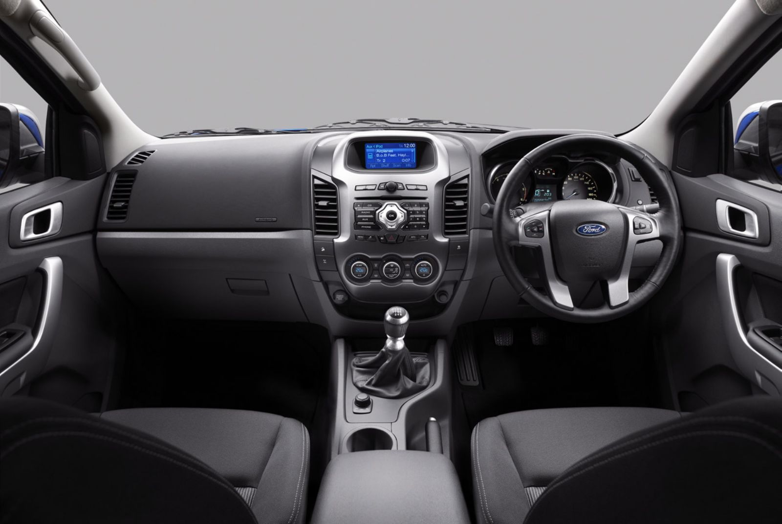 2012 Ford Endeavour Interiors