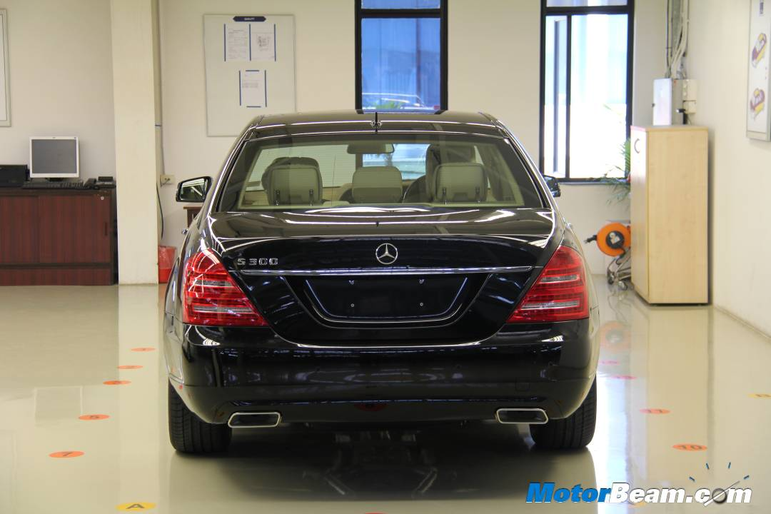 mercedes entry to india Since its entry in 1994, mercedes-benz india has been the largest luxe car maker in the country enjoying over 40 per cent of the over 40,000 units per annum market its pune assembly lines began in 2009, and 2015, at an investment of over rs 2,200 crore, plays an import role in the group's facilities in brazil, indonesia, malaysia.