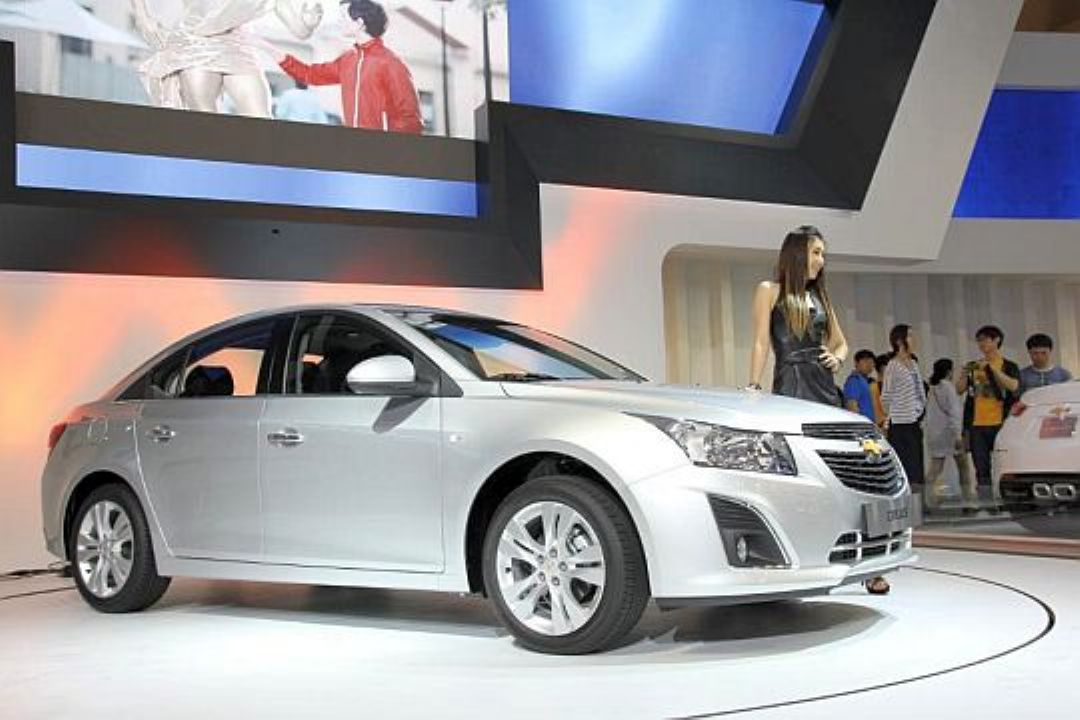 2013 Chevrolet Cruze Facelift Unveiled
