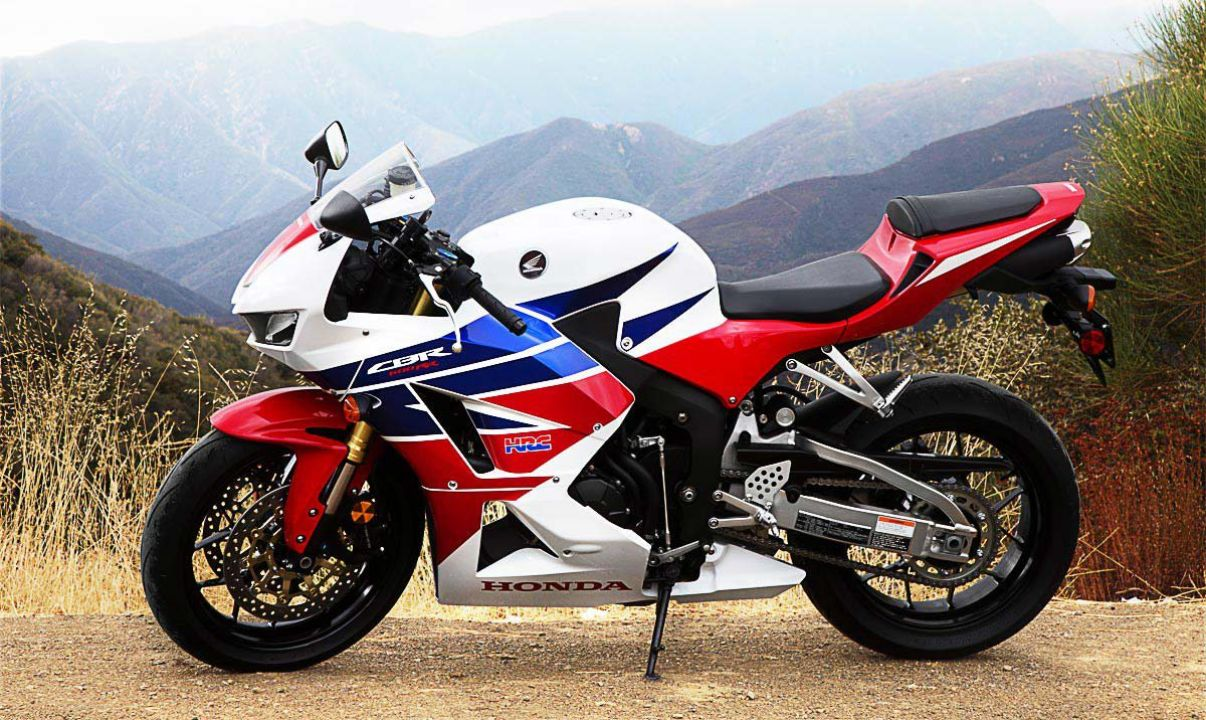 2013 Honda CBR600RR Wallpaper