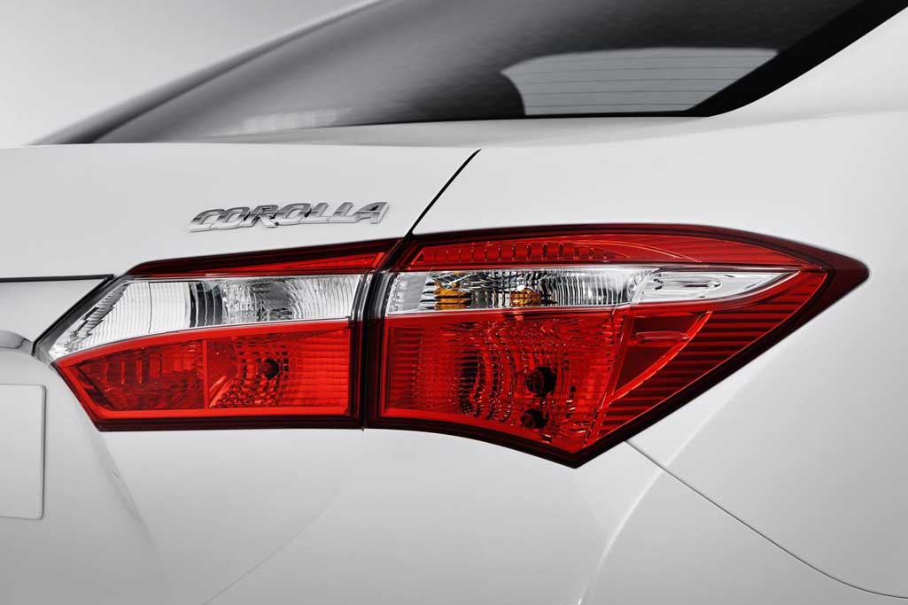 2013 Toyota Corolla Tail light