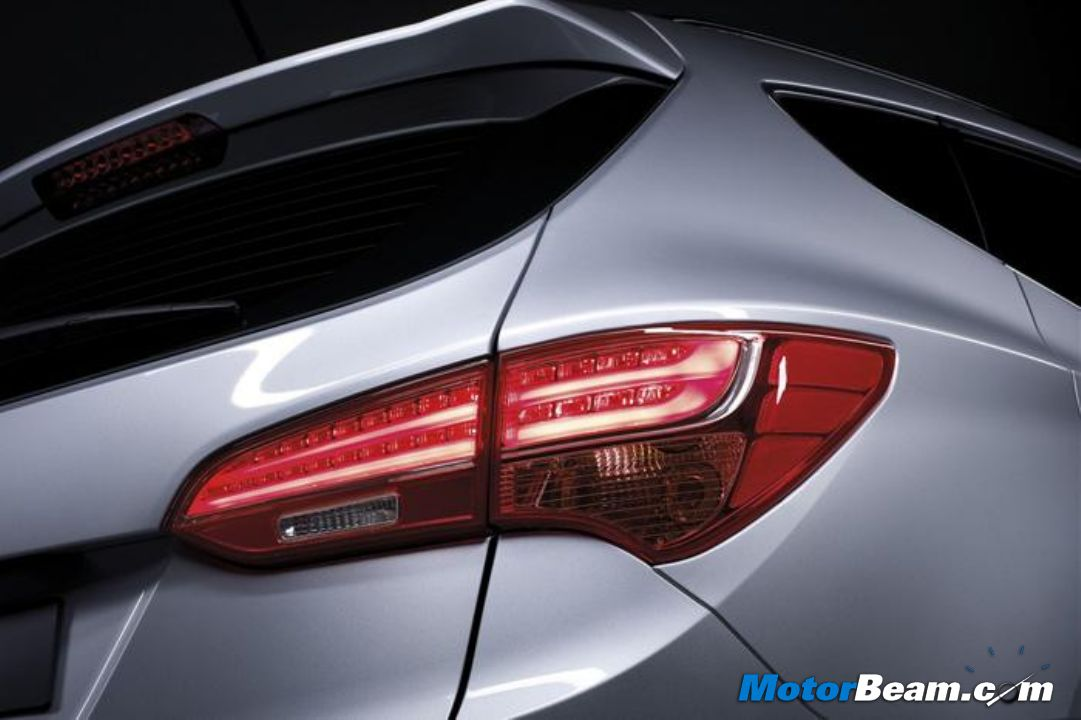 2013 Santa Fe Fluidic Tail Lights