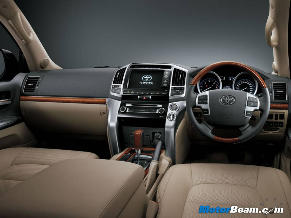 2013 Toyota Land Cruiser 200 Interiors