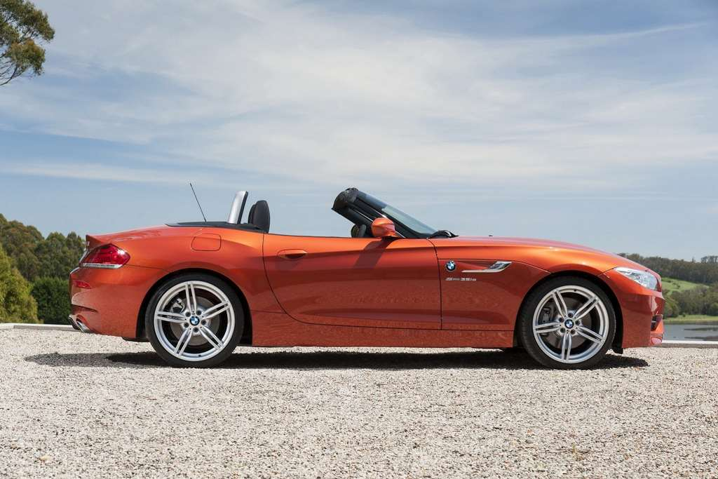 2014 BMW Z4 Roadster side