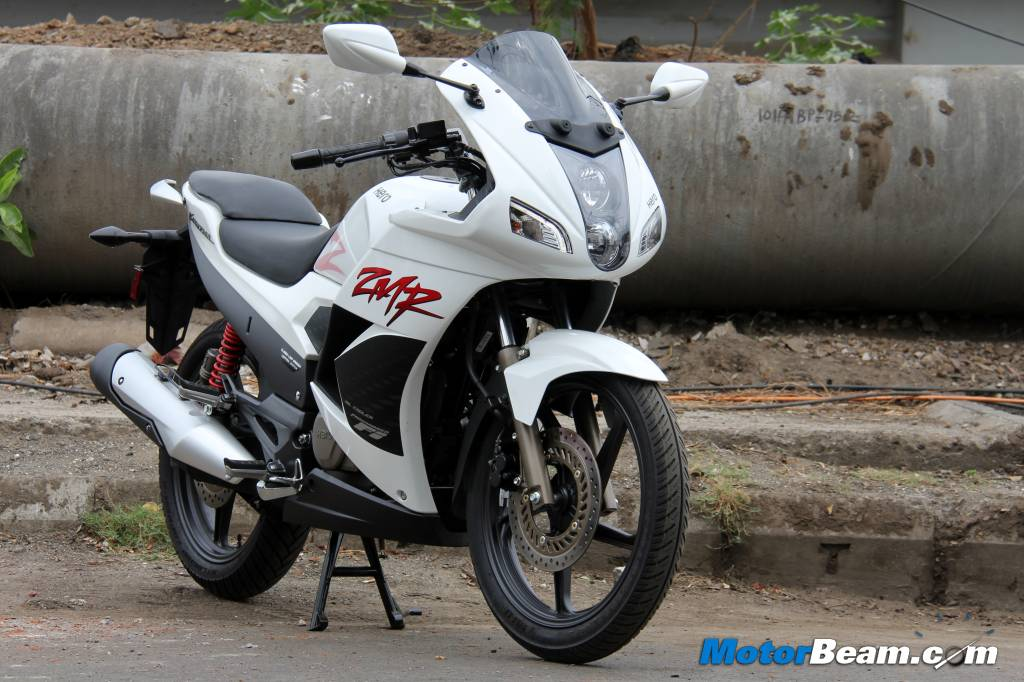 The new Karizma ZMR gets updated styling and an increase in output    Karizma Zmr White 2014