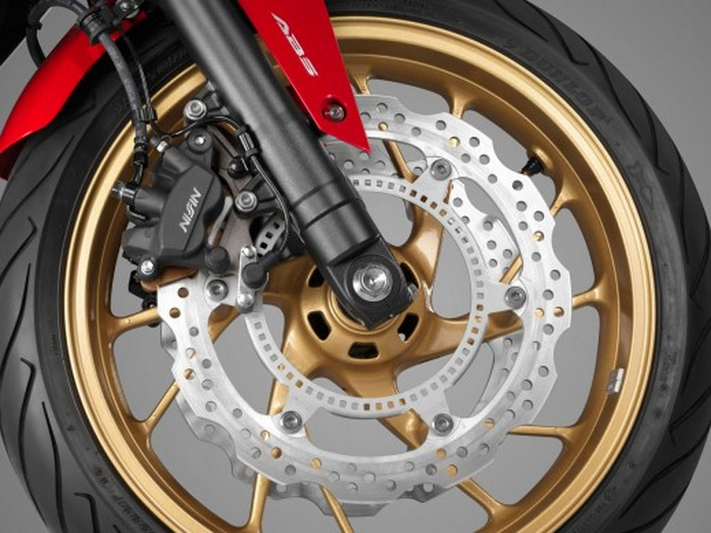 2014 Honda CB650F Wheel