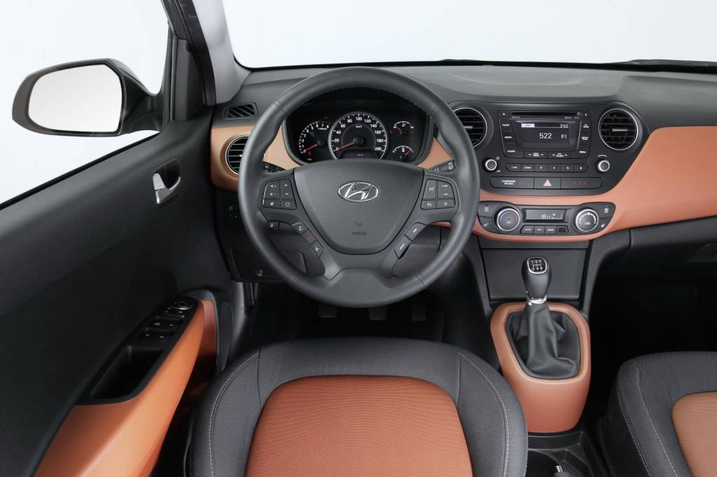 2014 Hyundai i10 Dashboard