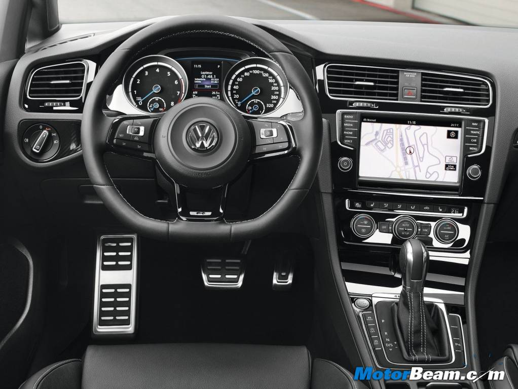 2014 Volkswagen Golf R Interiors