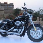 2016 Harley-Davidson 1200 Custom Side