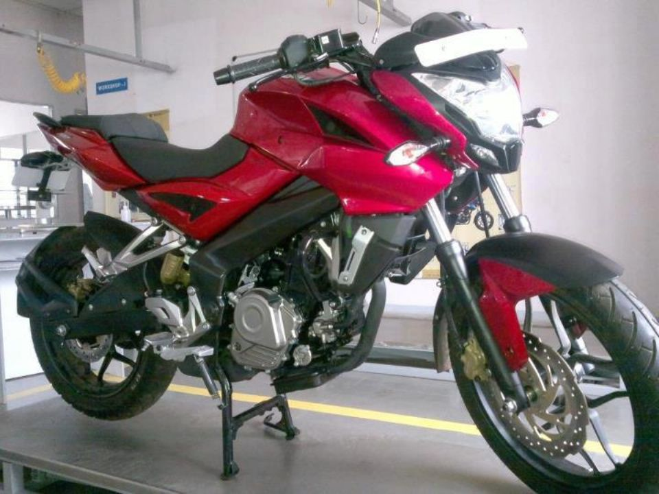 Bajaj Pulsar 200 NS Starts Arriving At Dealers | MotorBeam ...