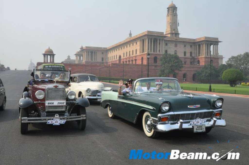 Classic and antique cars collection: ANTIQUE CHEVROLET CAR