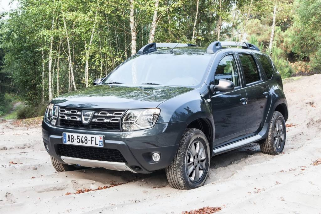 2014 renault duster facelift india launch soon interiors autos post. Black Bedroom Furniture Sets. Home Design Ideas