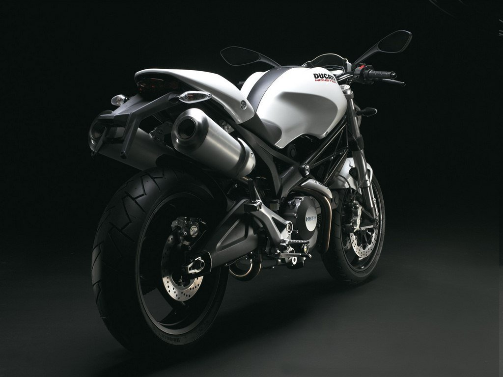 Ducati Moster 696