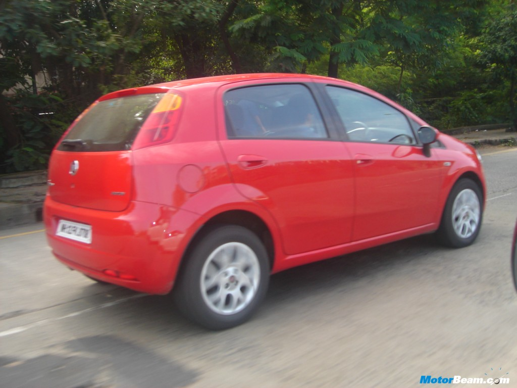 Fiat_Grande_Punto_On_The_Move