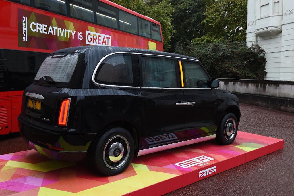 Geely reveals london taxi successor tx5 launch in 2017 motorbeam