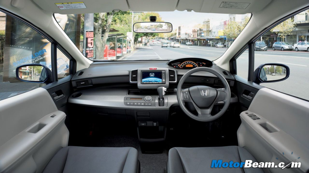 Honda Freed Dashboard