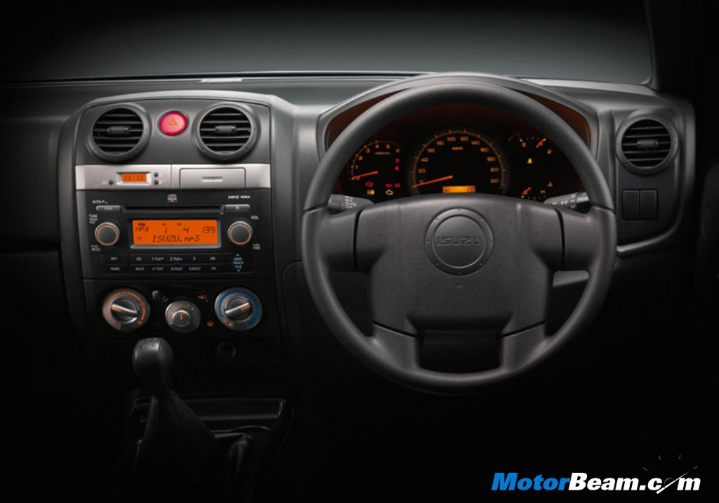 Isuzu MU-7 Dashboard