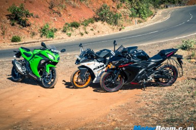 KTM RC 390 vs Kawasaki Ninja 300 vs Yamaha R3 - Comparison Video