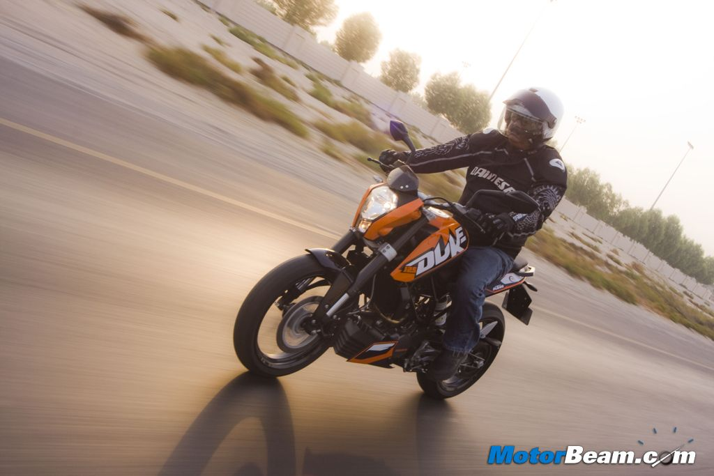 KTM Duke 125 Review