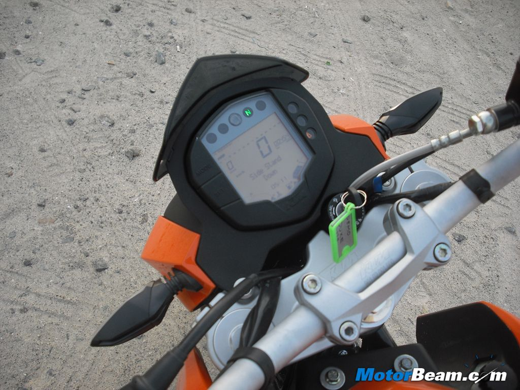 KTM Duke 125 Speedo