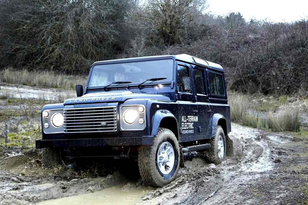 Land Rover Defender Electric slush