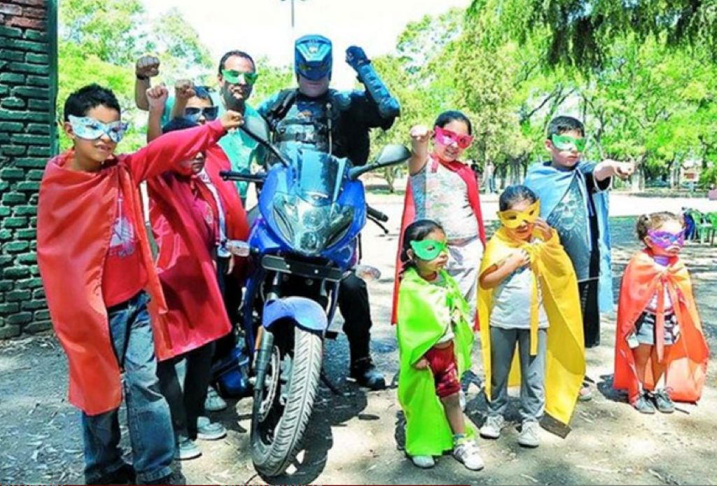 Menganno Motorcycle Superhero