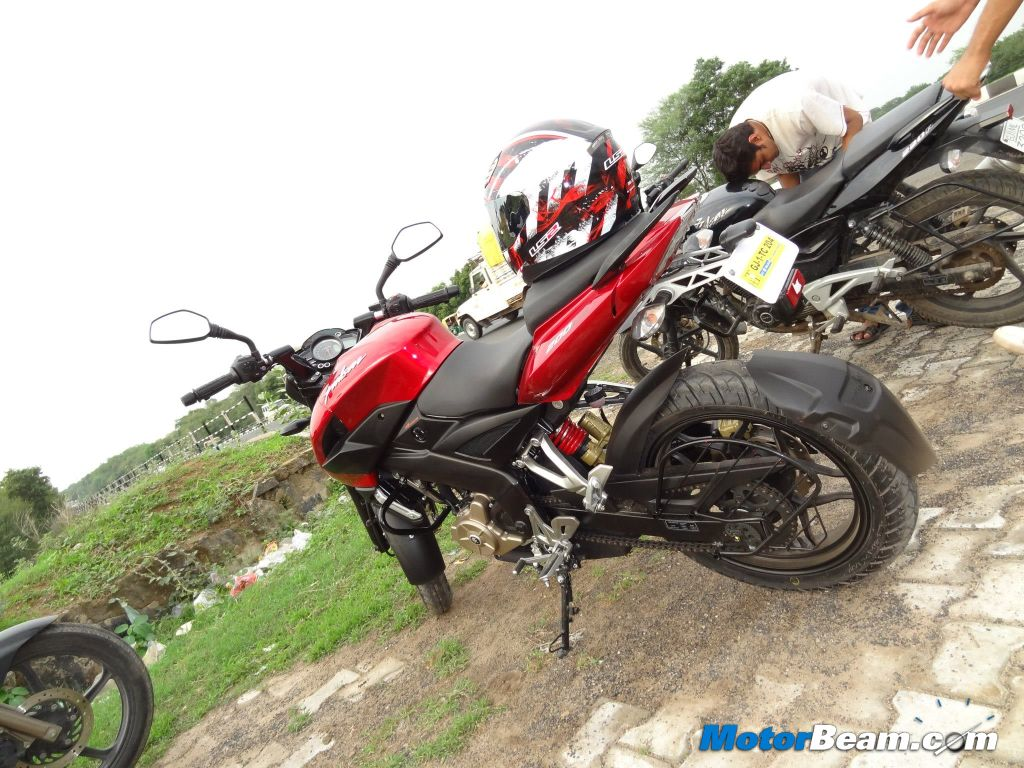 Pulsar 200 NS Owner Report