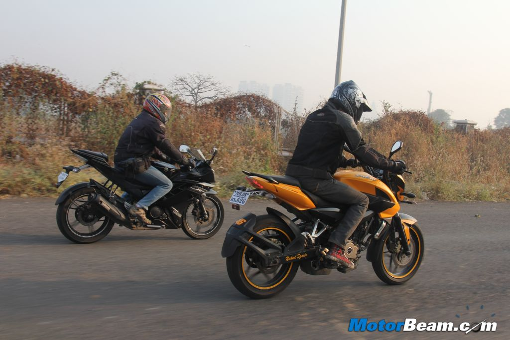 Pulsar 200 NS vs Yamaha R15 Shootout