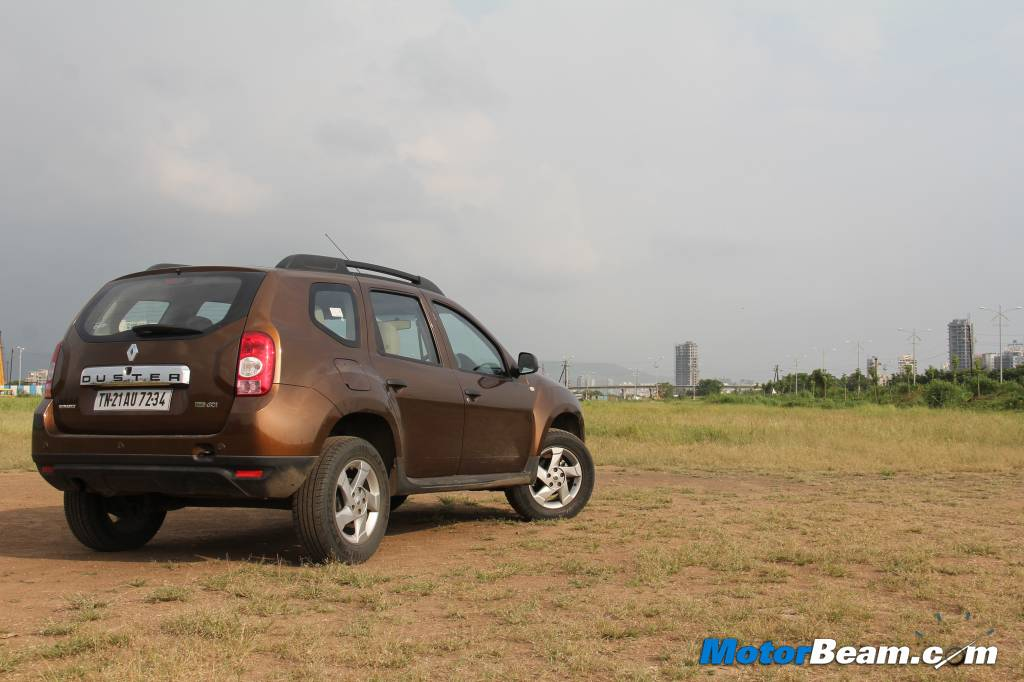 Renault duster review test drive and video review autocar for Motor city road test