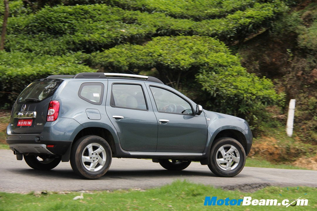 new renault duster 2014 autos weblog. Black Bedroom Furniture Sets. Home Design Ideas