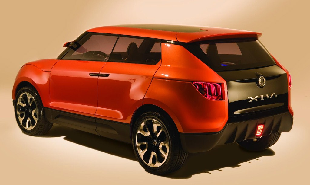 Mahindra S102 Compact SUV Underworks, Expected In 2015