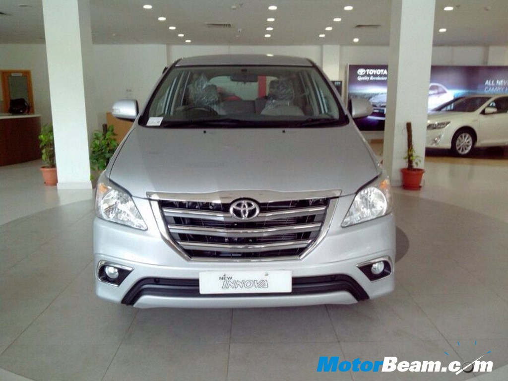 Toyota-Innova-Facelift-Launched