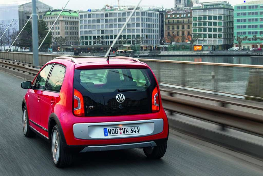 VW Cross Up! rear