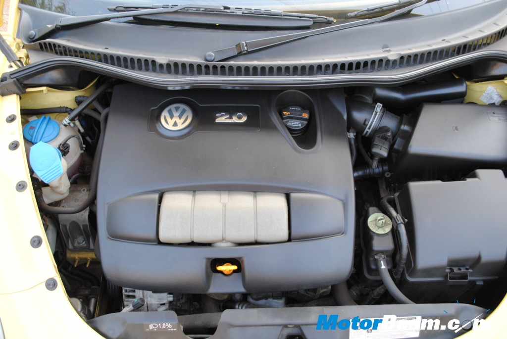 1972 vw beetle engine. vw beetle engine compartment.