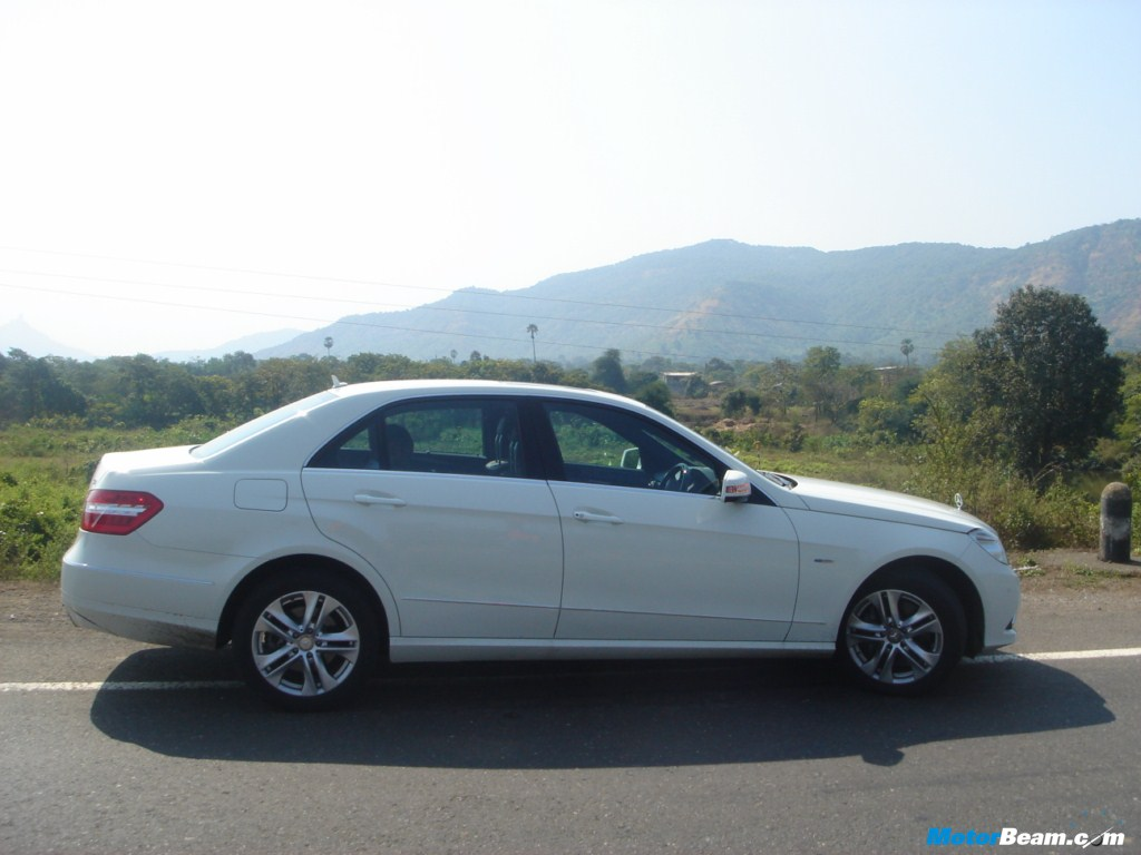 White_Mercedes_E350_CDI_BlueEFFICIENCY