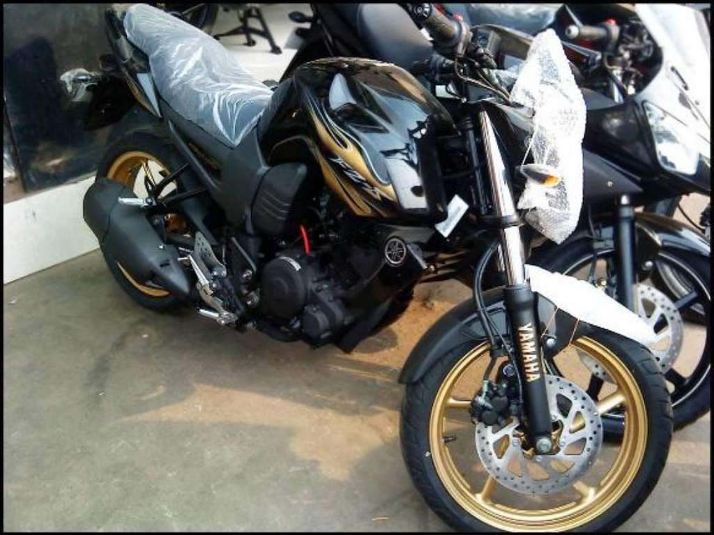 Yamaha Launches FZ-S Midnight Special Edition   MotorBeam – Indian ...
