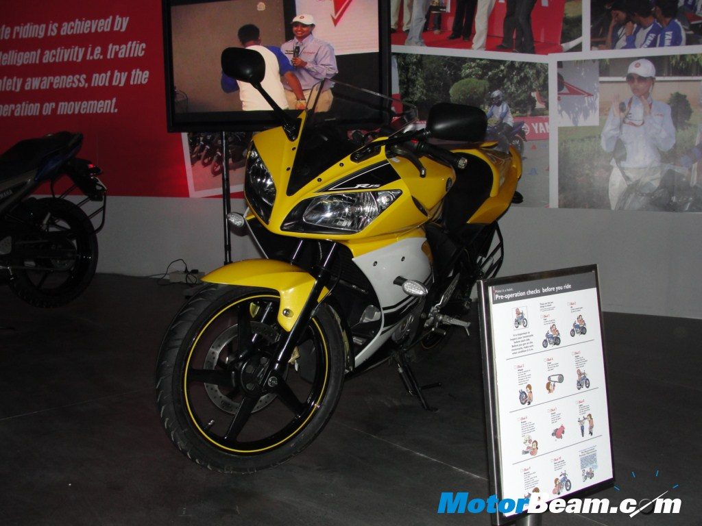 yamaha launches limited edition r15 at auto expo tattoo design bild. Black Bedroom Furniture Sets. Home Design Ideas